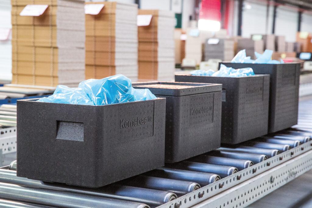 Bacs plastiques ultra légers de stockage et de transport pour l'industrie automobile - Komebac