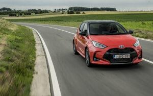 """Toyota Yaris nominado a """"Coche del año 2021"""".¡Con componentesligeros deKnauf en suinterior!"""